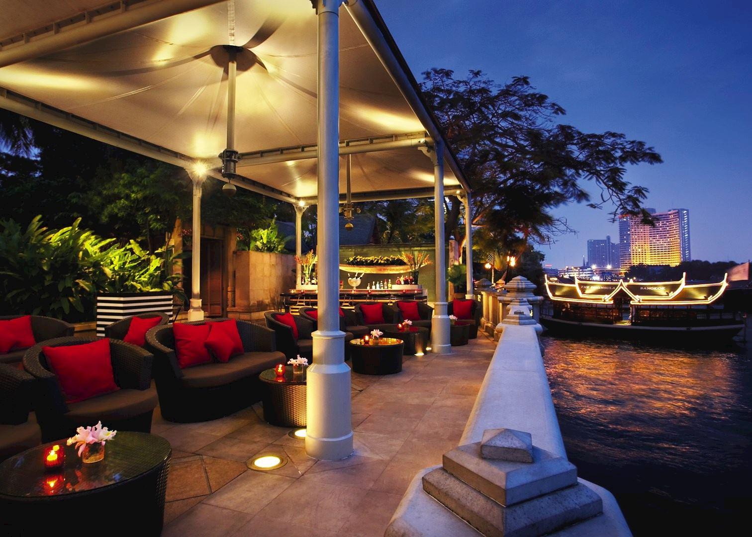 The peninsula hotel hotels in bangkok audley travel for Hotel bangkok