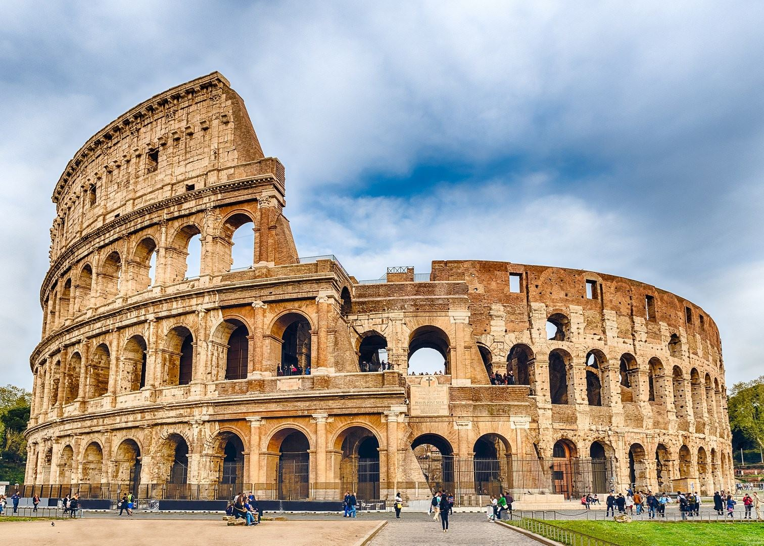 Ancient And Imperial Rome Colosseum And Forum
