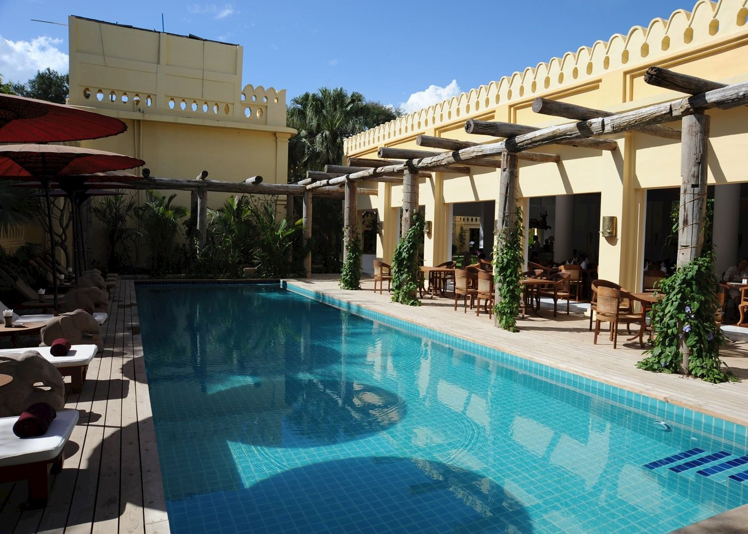 Areindmar hotel hotels in bagan audley travel - Explorer hotel paris swimming pool ...