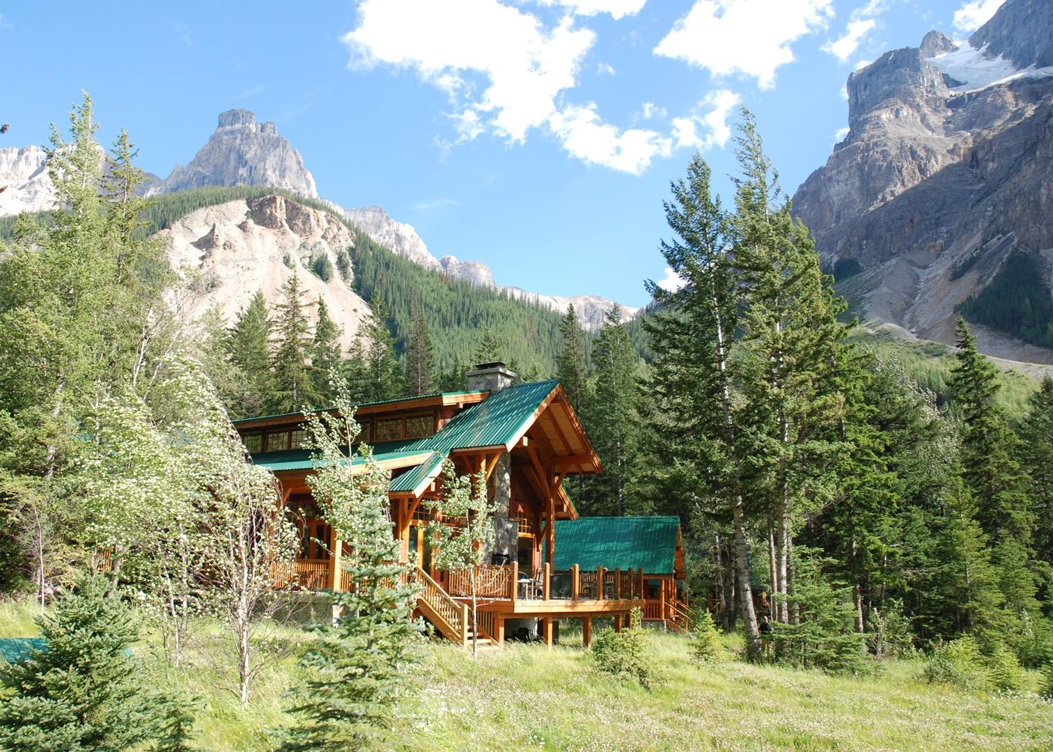 cathedral mountain lodge hotels in field audley travel. Black Bedroom Furniture Sets. Home Design Ideas