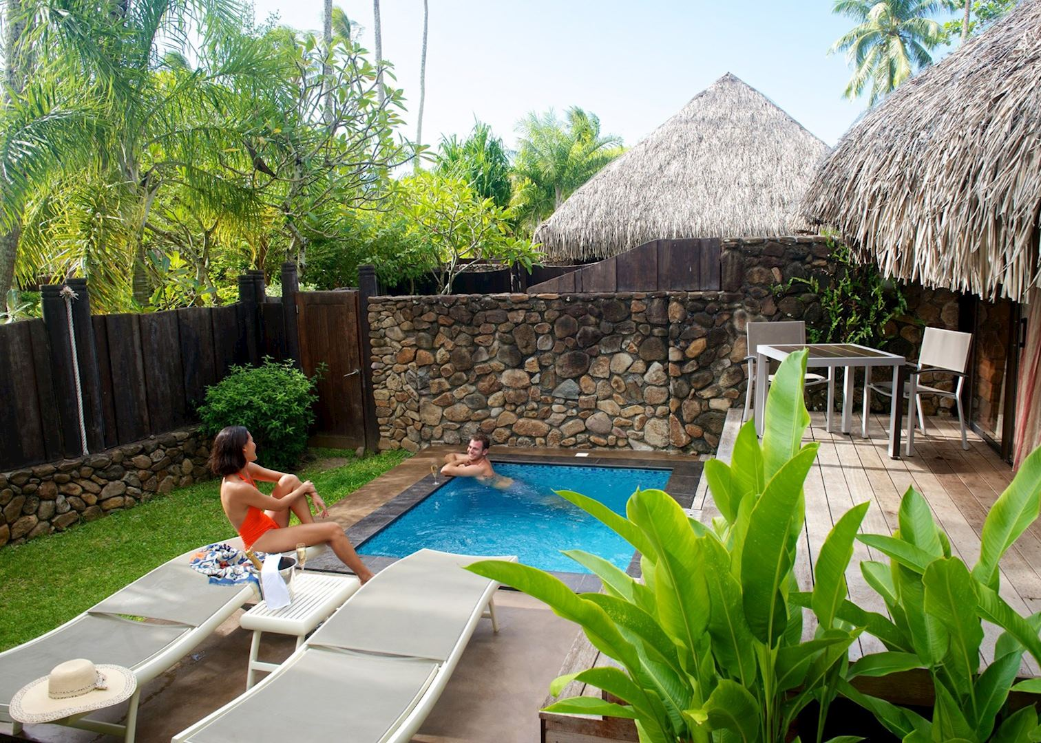 Manava beach resort and spa and tahiti audley travel for Garden pool bungalow