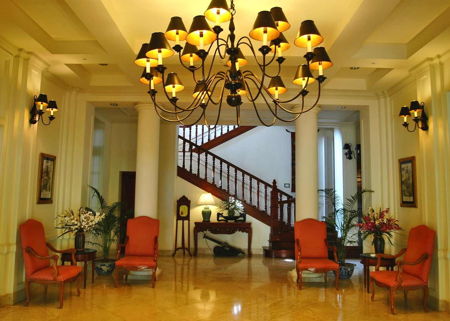 Settha palace hotels in vientiane audley travel - Settha palace hotel swimming pool ...