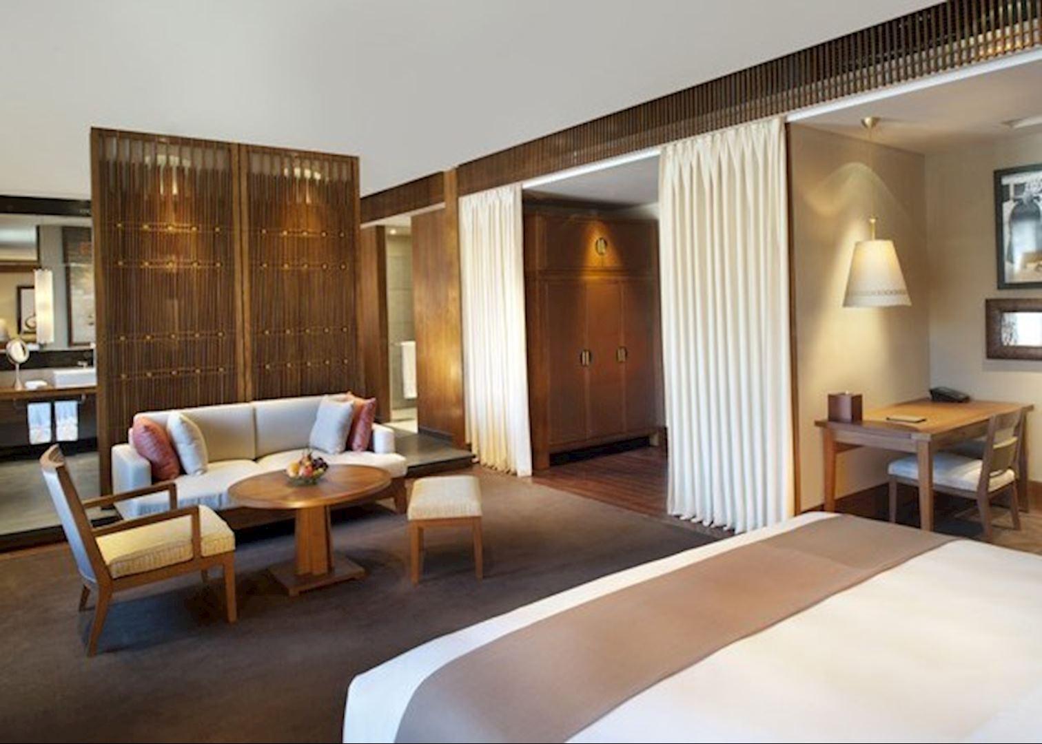 St regis lhasa resort hotels in lhasa audley travel for Resort termali in cabina