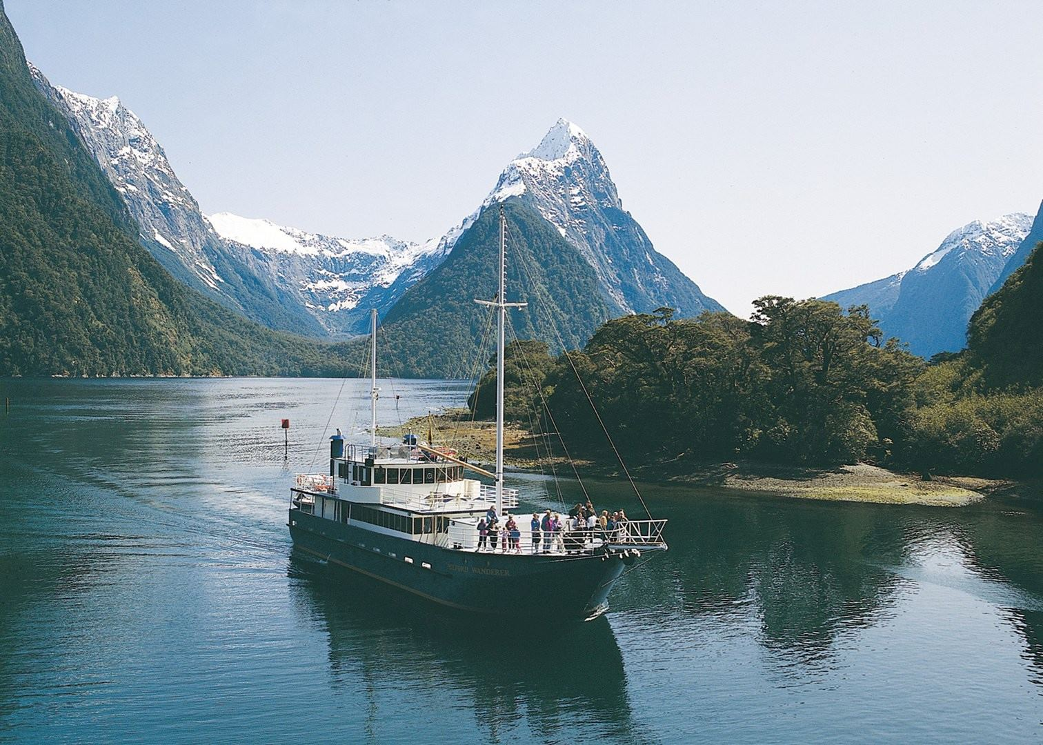 Milford sound overnight cruise new zealand audley travel for The milford