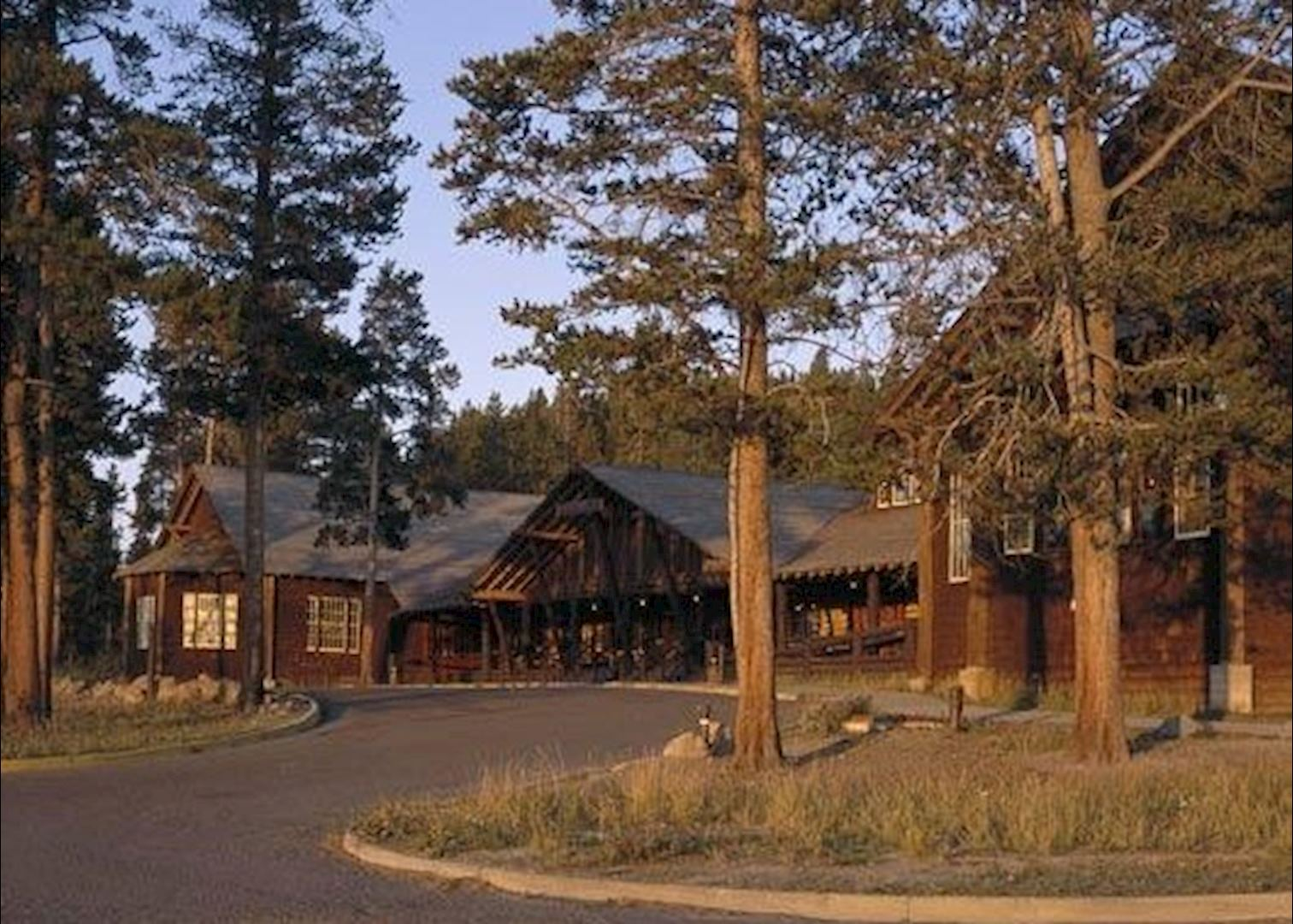 Old faithful lodge cabins audley travel for Cabin yellowstone park