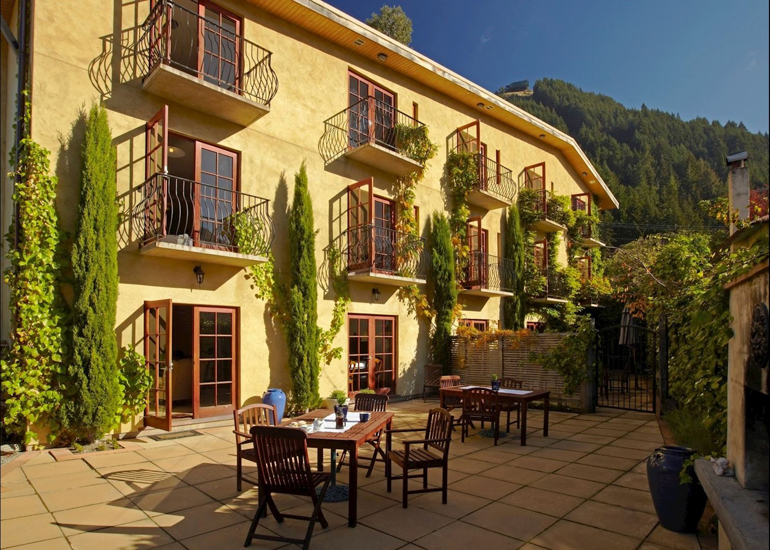 Brown 39 s boutique hotel queenstown audley travel for Boutique hotel