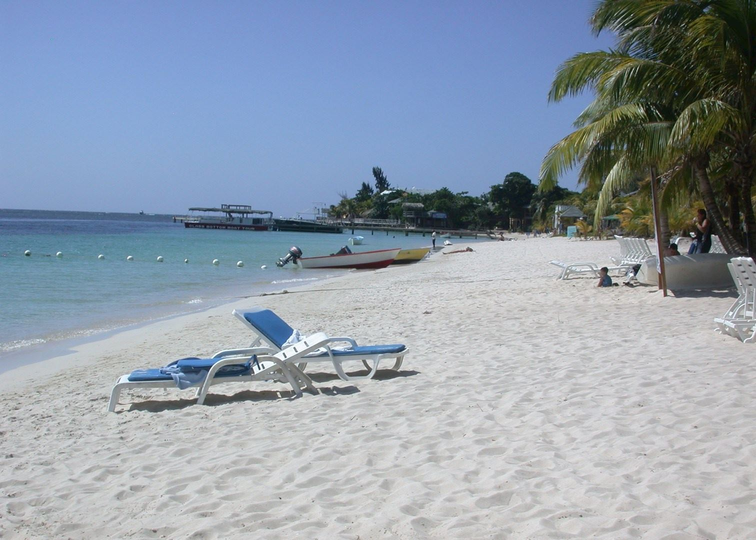 how to get to bay islands honduras