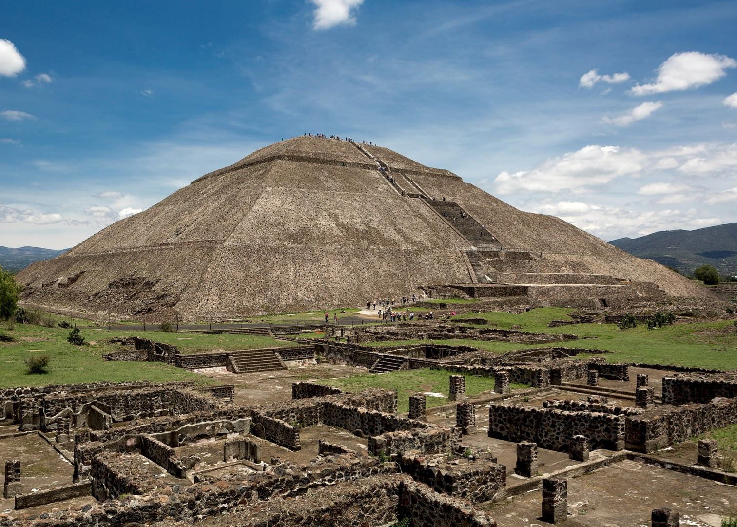 Hotels Near Teotihuacan Pyramids