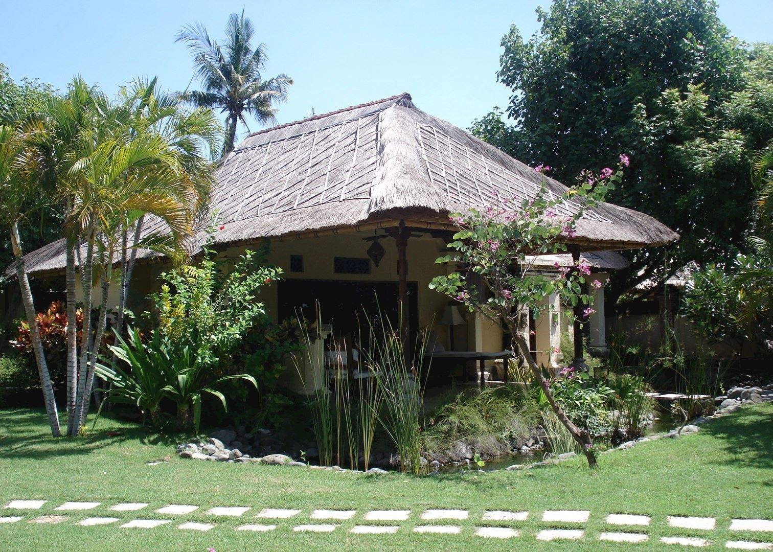 Taman sari cottages hotels in pemuteran audley travel for Cottage bali