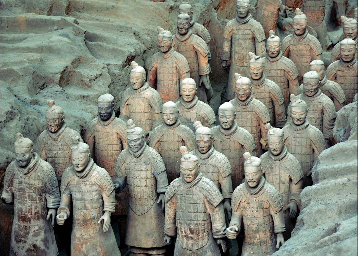 terrocota warriors See the incredible terracotta warriors and horses that were buried underground  for more than 2000 years in xi'an, spend a day visiting the iconic great wall of.
