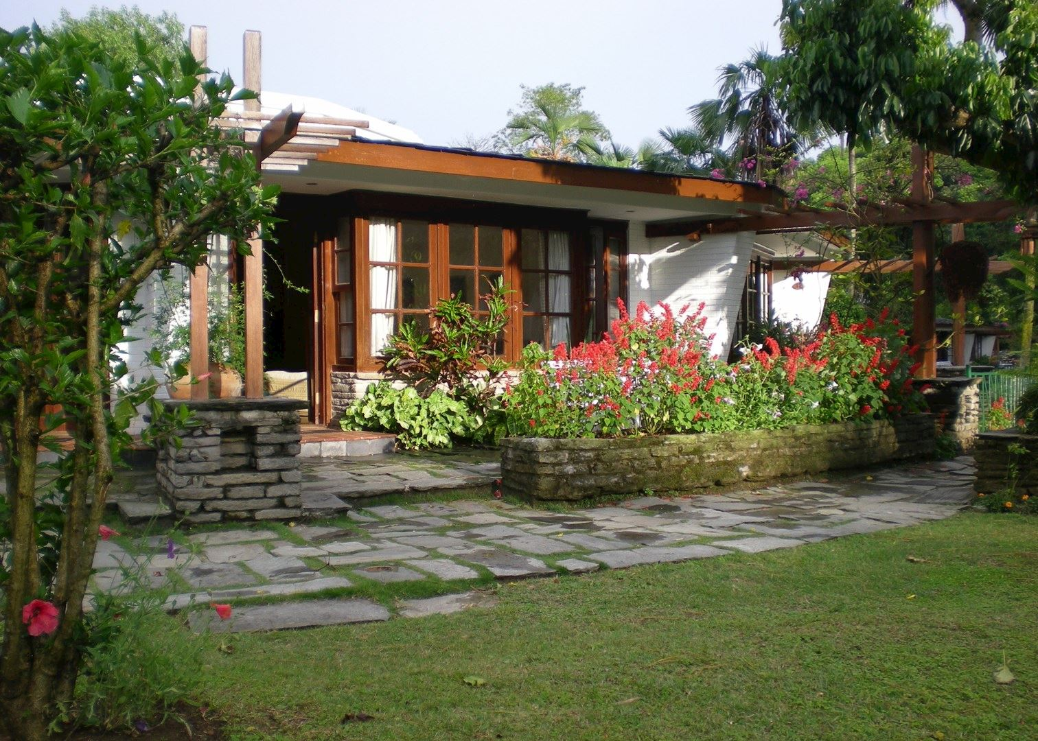 Fish tail lodge hotels in pokhara audley travel for Lodge fish house