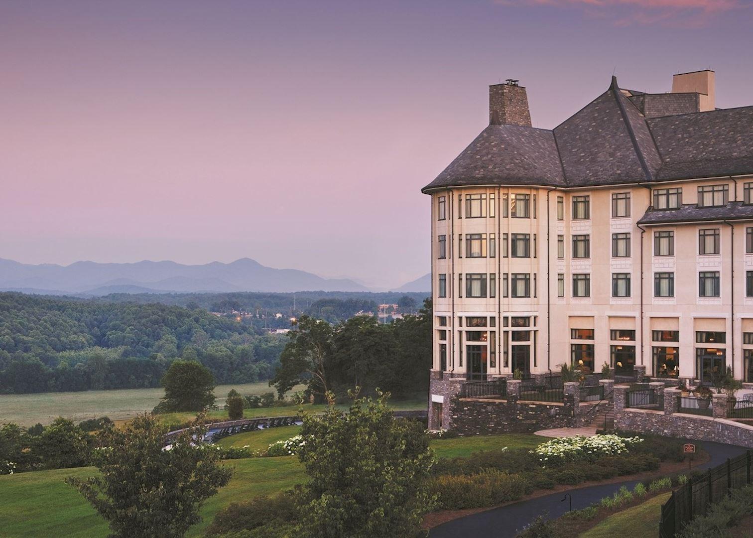Hotels Near Biltmore Estates