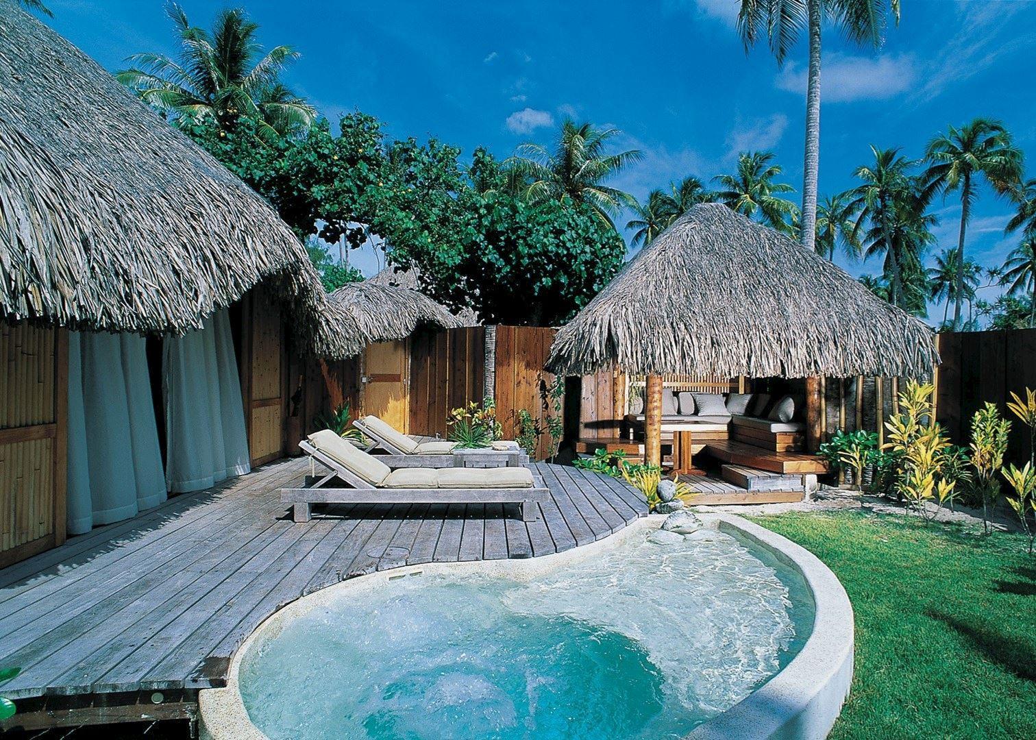 Pearl beach resort bora bora and moorea audley travel for Garden pool bungalow moorea pearl resort
