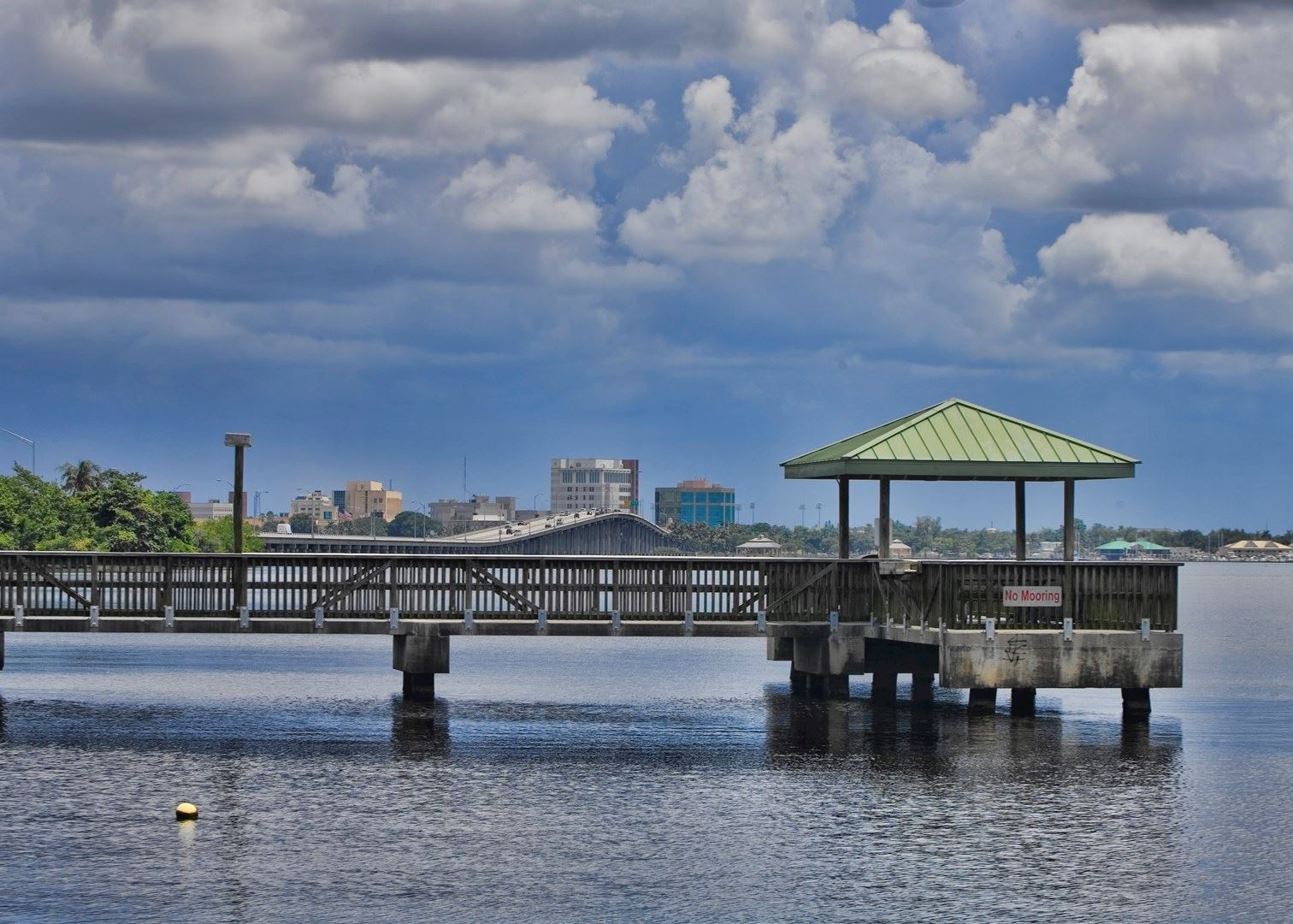 Visit fort myers on a trip to the usa audley travel for Fort myers beach fishing pier