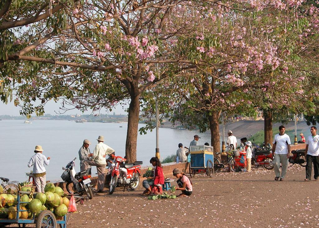 Phnom Penh river scene