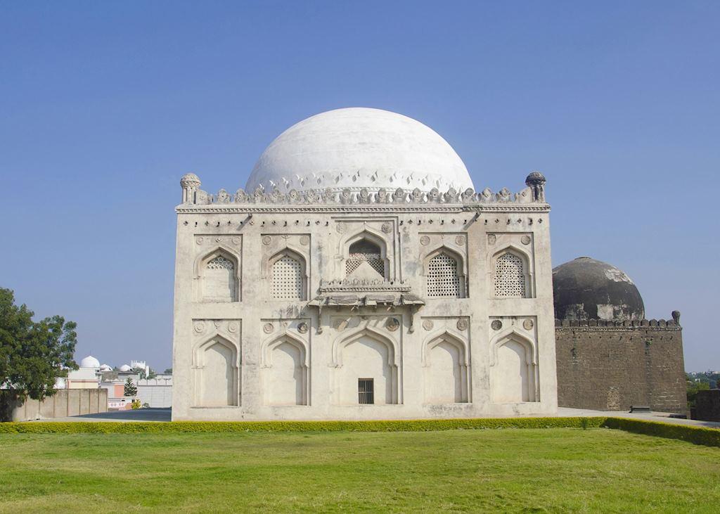 Tomb of Mujahid Shah, Gulbarga, India