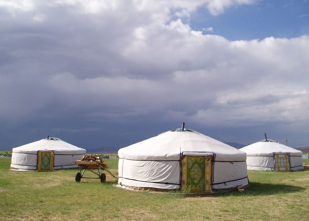 Bayan Gobi Ger Camp, Khogno Khan Mountain