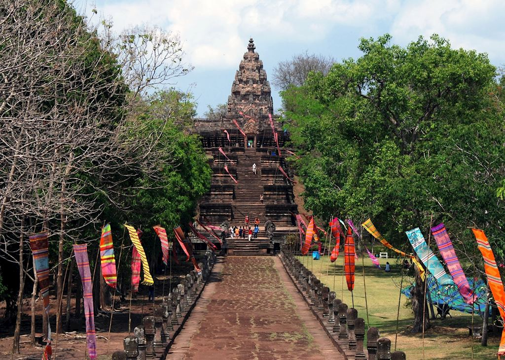 Entering through the east gate of Phanom Rung