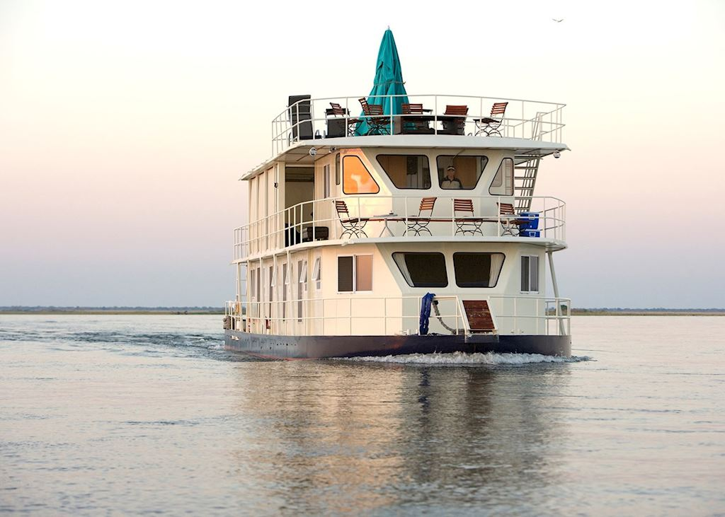 Pangolin Voyager Houseboat , Impalila Island