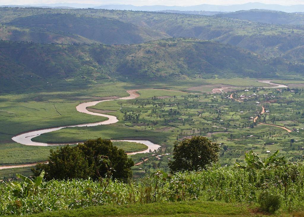Rolling hills between Kigali and Ruhengeri