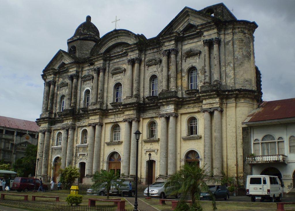 Basilica of St martin de Tours, Taal