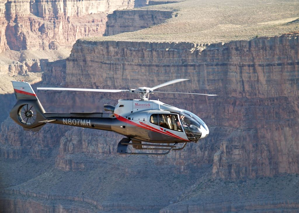 Helicopter flight in the Grand Canyon