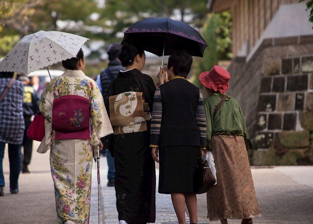 Women in Kimono, Engaku-ji Temple, Kamakura Day Trip