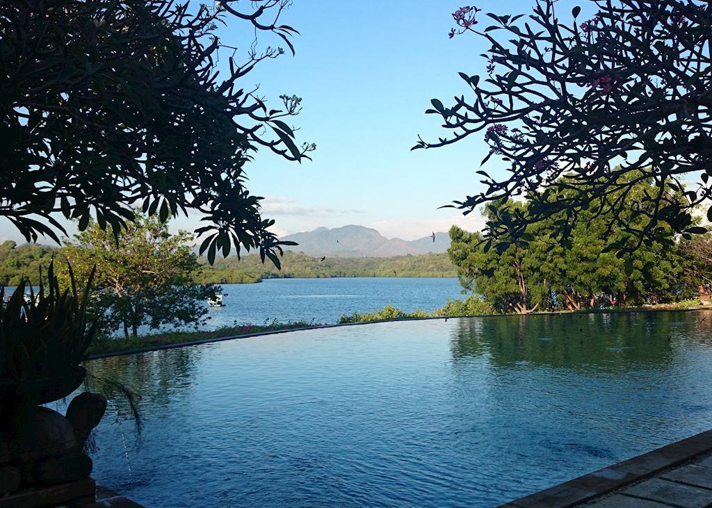 Infinity pool with views to Menjangan Bay, Naya Gawana Resort & Spa