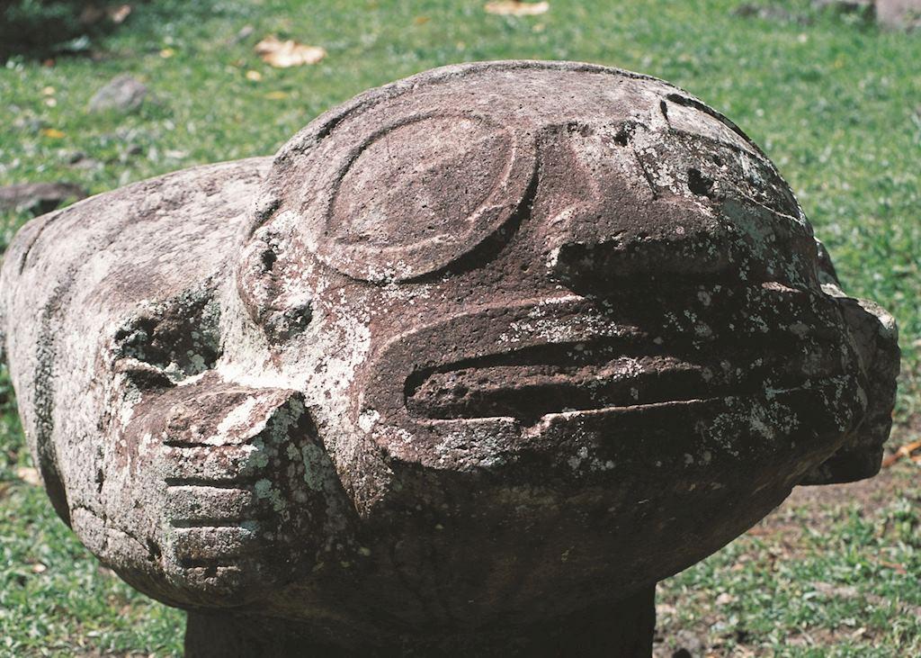 Puamau and Tiki Makaii, Marquesas
