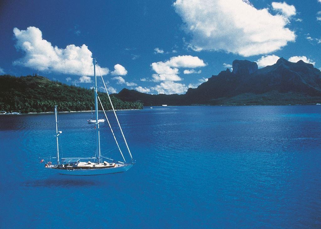 Sailing in Bora Bora