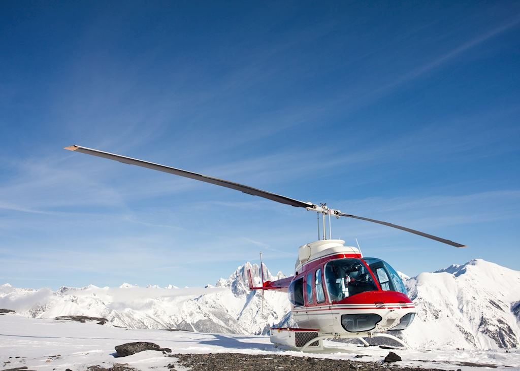 Whistler helicopter tour with glacier landing on Rainbow Mountain
