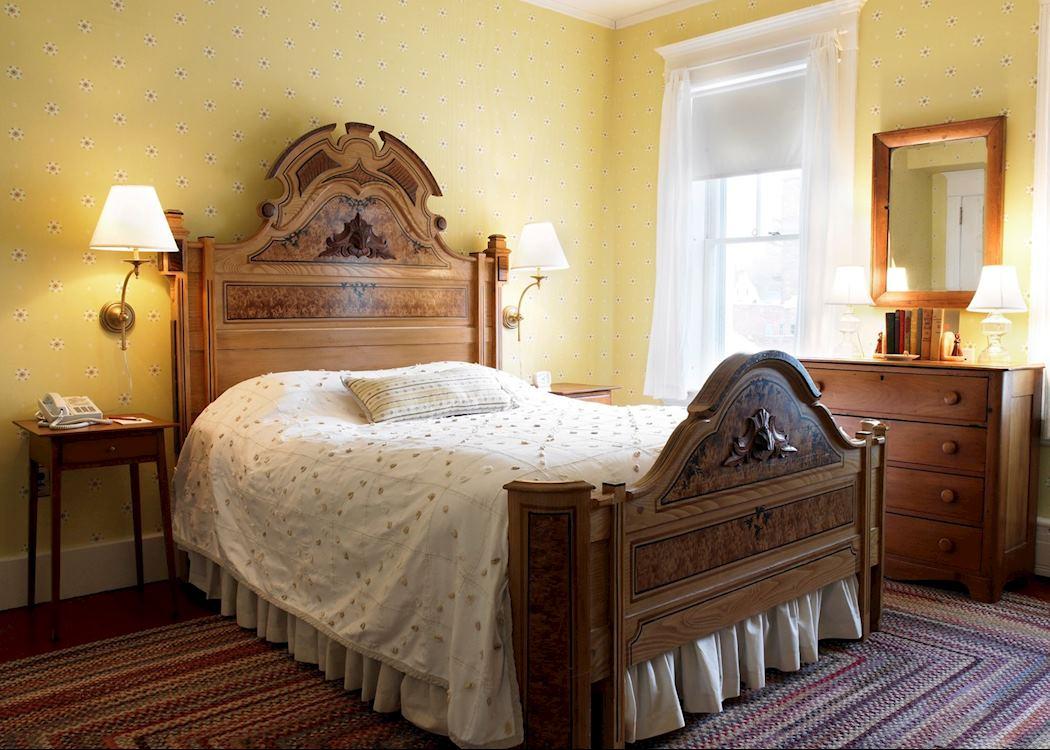red lion inn hotels in stockbridge audley travel. Black Bedroom Furniture Sets. Home Design Ideas