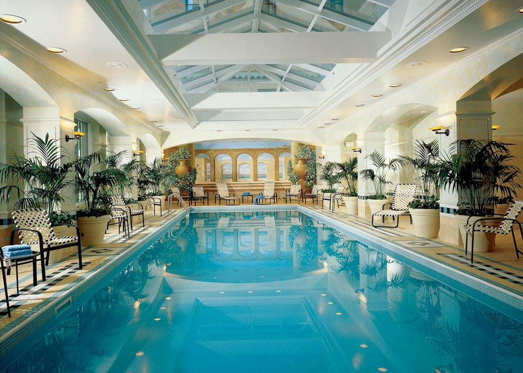 Toronto Airport Hotels With Outdoor Pools
