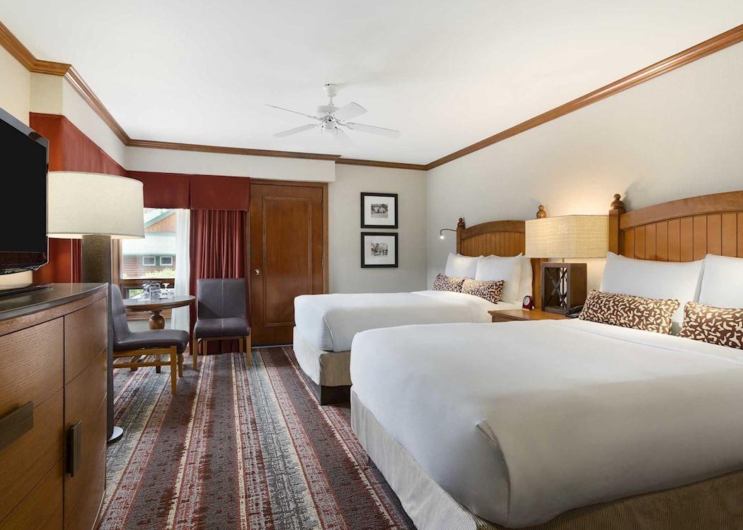 Fairmont jasper park lodge audley travel for Decore hotel jasper