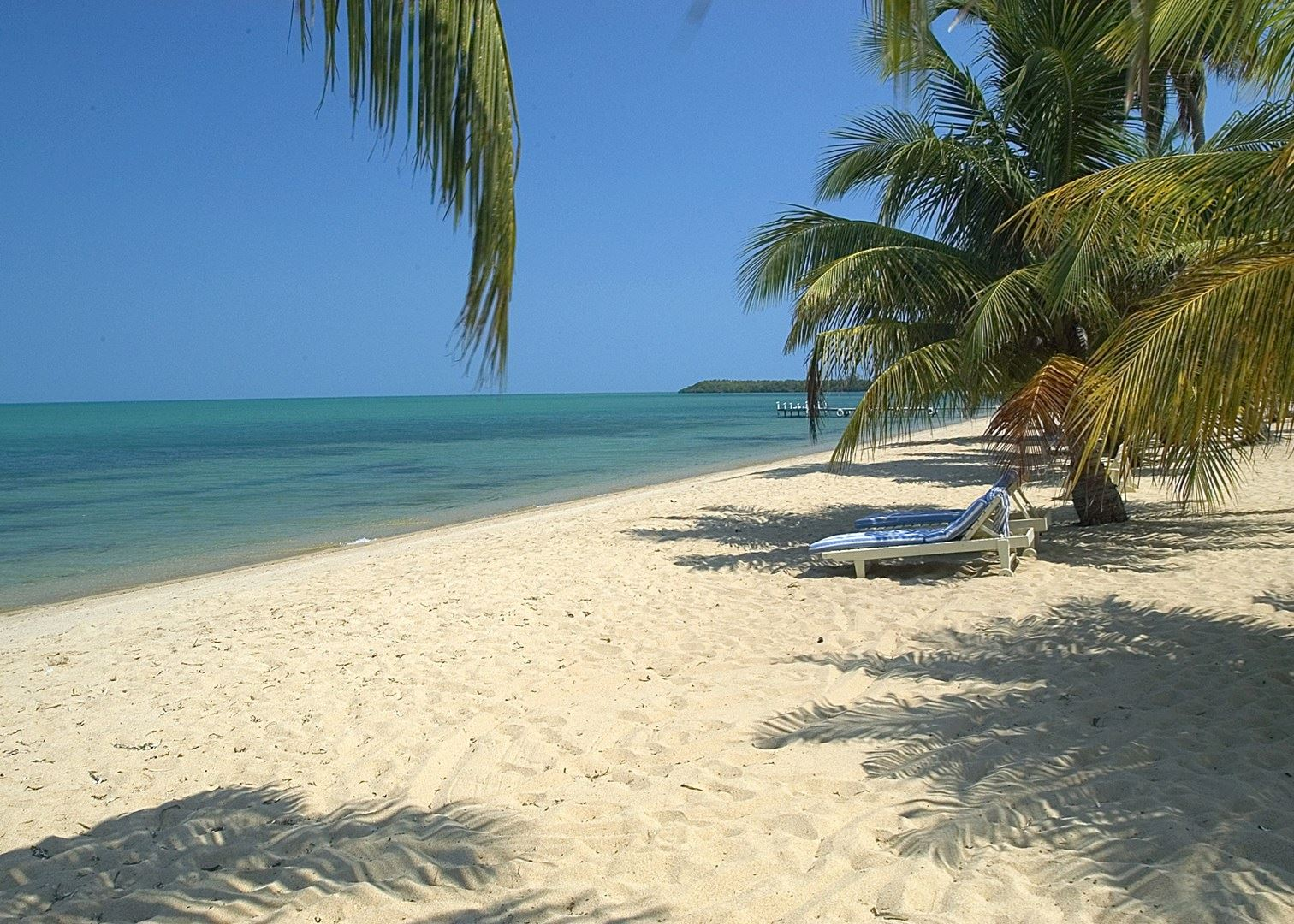 Simply Belize: Jungle & Beach