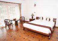 Deluxe room at Yadanarpon Dynasty Hotel, Mandalay