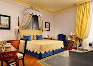 Superior room, Hotel Santa Maria Novella, Florence