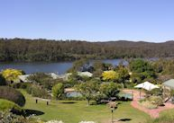 Luxury Lakeside Apartments, Gipsy Point