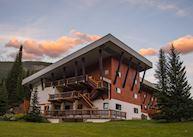 Bugaboo Lodge, Banff