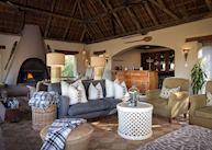 Simbambili Game Lodge, lounge area