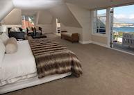 Ocean Eleven Guest House, suite
