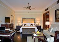 Grand deluxe room, The Marriott Mena House Hotel, Cairo