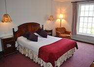 Knipoch Hotel