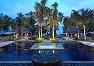 The pool at Hilton Labriz, Silhouette Island
