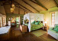 Banda at Virunga Lodge