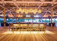 Le Lys Bar, Alphonse Island