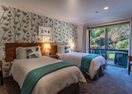 Twin Room at Wanaka Springs B&B