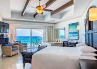 Oceanfront junior suite king room