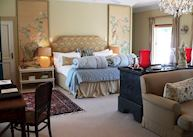 Luxury Suite, Kurland