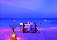 Romantic dinner on the Beach, Baros